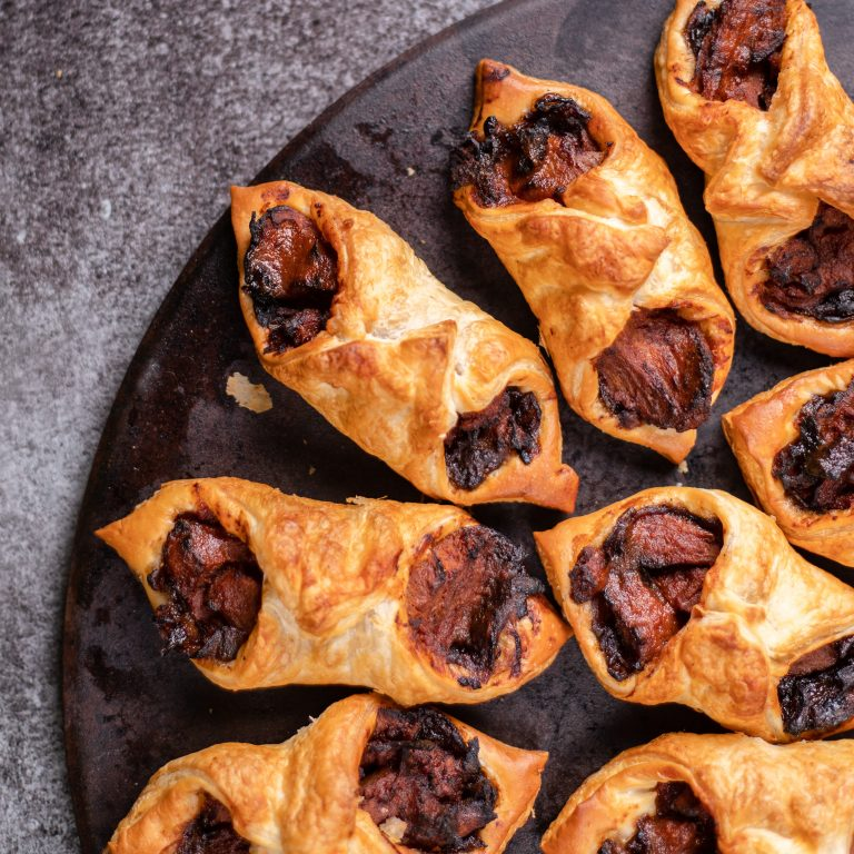 BBQ & Caramelized Onion Puff Pastry Bites